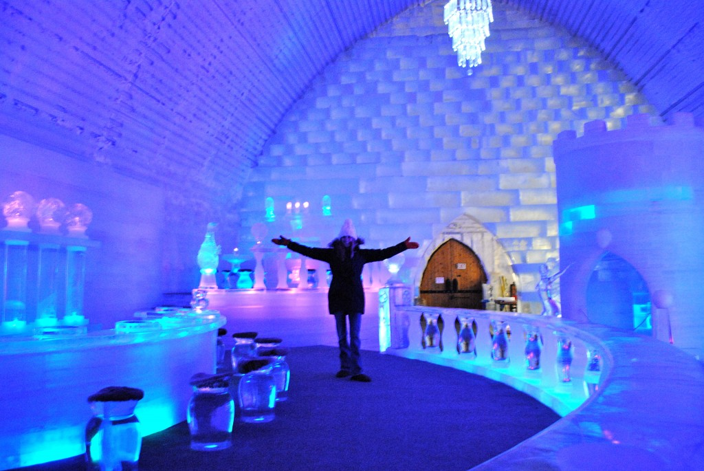 Icehotel bar 1024x685 Ледяной отель (Icehotel)